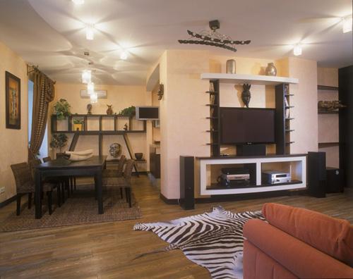 самый экзотический среди этностилей.  На полу в доме постелен ковер с традиционным африканским...