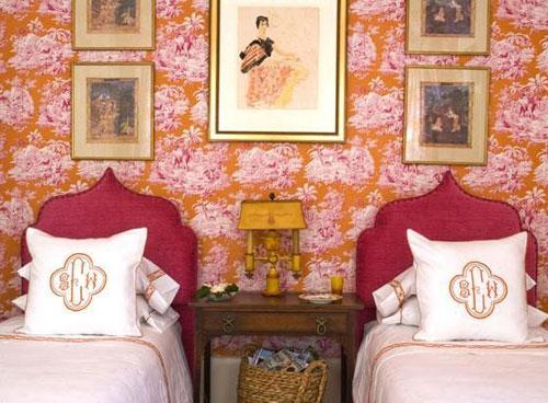 Интерьер спальни в стиле гранж.  Следующая фотография.